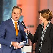 NLD/Den Haag/20180323 - Huldiging Olympische en Paralympische medaillewinnaars, Annette van Trigt en minister Hugo de Jonge