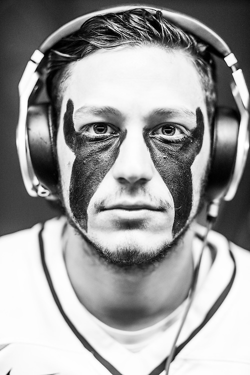 05/24/2015- Philadelphia, Penn. - Tufts midfielder Zach Richman, A17, shows off his eye black in the locker room at Lincoln Financial Field before the NCAA Division III Men's Lacrosse National Championship Game on May 24, 2015. (Kelvin Ma/Tufts University)