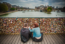 Cadeados do amor na Pont Des Arts, em Paris, França. FOTO: Jefferson Bernardes/ Agência Preview