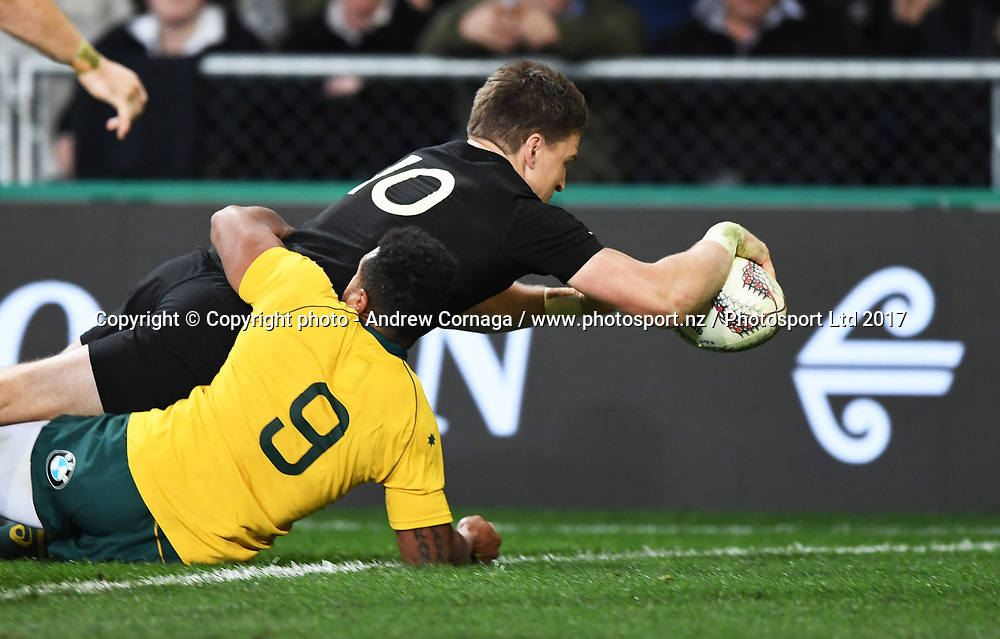 Beauden Barrett scores a try.<br /> Bledisloe Cup and Rugby Championship test match. New Zealand All Blacks v Australian Wallabies at Forsyth Barr Stadium, Dunedin, New Zealand. Saturday 26 August 2017. &copy; Copyright photo: Andrew Cornaga / www.Photosport.nz