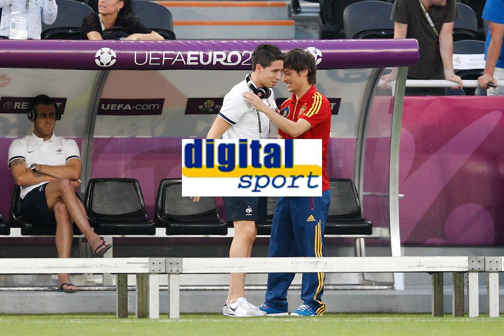 FOOTBALL - UEFA EURO 2012 - DONETSK - UKRAINE  - 1/4 FINAL - SPAIN v FRANCE - 23/06/2012 - PHOTO PHILIPPE LAURENSON /  DPPI - SAMIR NASRI (FRA) / DAVID SILVA (ESP) BEFORE MATCH