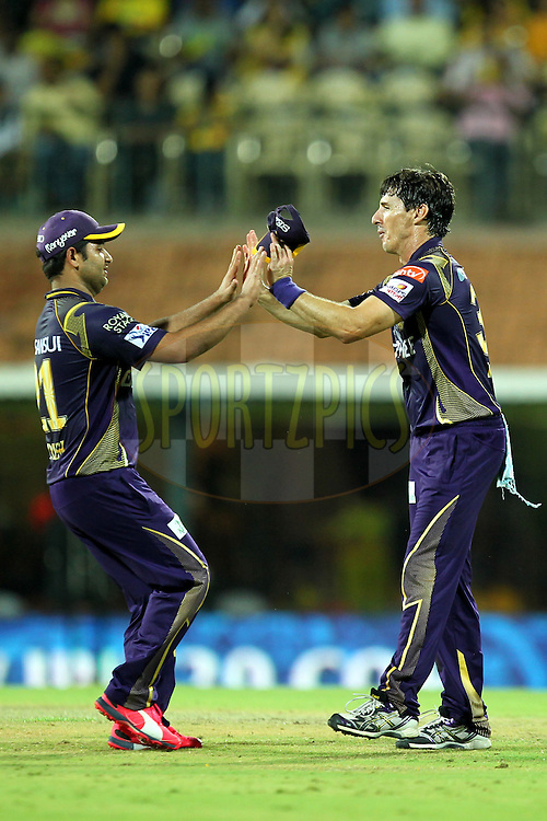 Piyush Chawala and Brad Hogg of Kolkata Knight Riders during match 28 of the Pepsi IPL 2015 (Indian Premier League) between The Chennai Superkings and The Kolkata Knight Riders held at the M. A. Chidambaram Stadium, Chennai Stadium in Chennai, India on the 28th April 2015.Photo by:  Prashant Bhoot / SPORTZPICS / IPL
