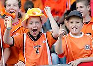 23-05-2008 VOETBAL:JONG ORANJE:JONG ZWITSERLAND:TILBURG<br /> Jonge Oranje supporters met vlaggen en toeters op de tribune in Tilburg<br /> Foto: Geert van Erven