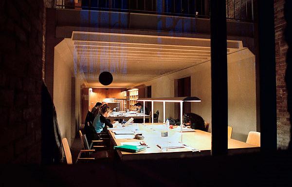 Spanje, Barcelona, 10-1-2004..Studiezaal van de rechtenfaculteit van de universiteit. Onderwijs, wetenschap, studeren, student...Foto: Flip Franssen
