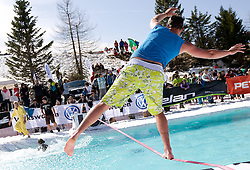 Presentation of the slackline during Luza Petrol 007 on ski resort RTC Krvavec, 31.3.2012, Cerklje na Gorenjskem, ski resort RTC Krvavec, Slovenia