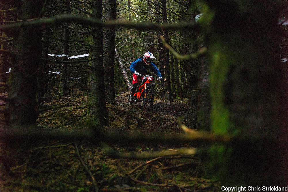 Glentress, Peebles, Scotland, UK. 31st May 2015. Tobias Pantling in action on day two at The Enduro World Series Round 3 taking place on the iconic 7Stanes trails during Tweedlove Festival. Mountain bikers come up against eight stages across two days, with an intense 2,695 metres of climbing over 93km. As well as the physicality of the liaisons, the stages themselves are technical, catching many off guard.
