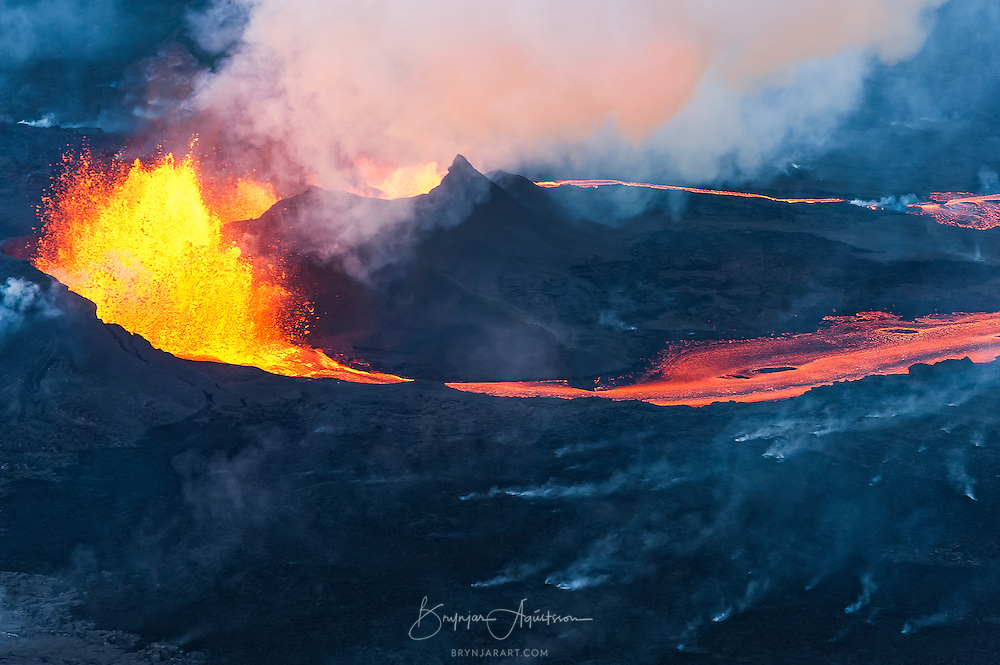 The Holuhraun eruption began on the 31st of August 2014, after 2 weeks of earthquakes in and around Bárðarbunga volcano.
