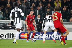 10.04.2013, Juventus Stadium, Turin, ITA, UEFA Champions League, Juventus Turin vs FC Bayern Muenchen, Viertelfinale, Rueckspiel, im Bild am Ball Franck RIBERY #7 (FC Bayern Muenchen) rechts im Bild Thomas MUELLER #25 (FC Bayern Muenchen) aus Juve Sicht Paul POGBA #6 (Juventus Turin) und Andrea BARZAGLI #15 (Juventus Turin) // during the UEFA Champions League best of eight 2nd leg match between Juventus FC and FC Bayern Munich at the Juventus Stadium, Torino, Italy on 2013/04/10. EXPA Pictures © 2013, PhotoCredit: EXPA/ Eibner/ Kolbert..***** ATTENTION - OUT OF GER *****