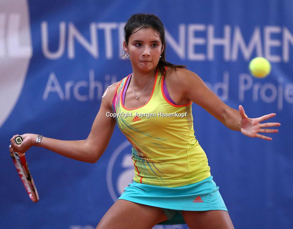 ITF Bueschl  Open 2012, ITF Women's Circuits Damen Hallen Tennis Turnier in Ismaning,Katharina Lehnert (GER),Aktion,Einzelbild,.Halbkoerper,Querformat,