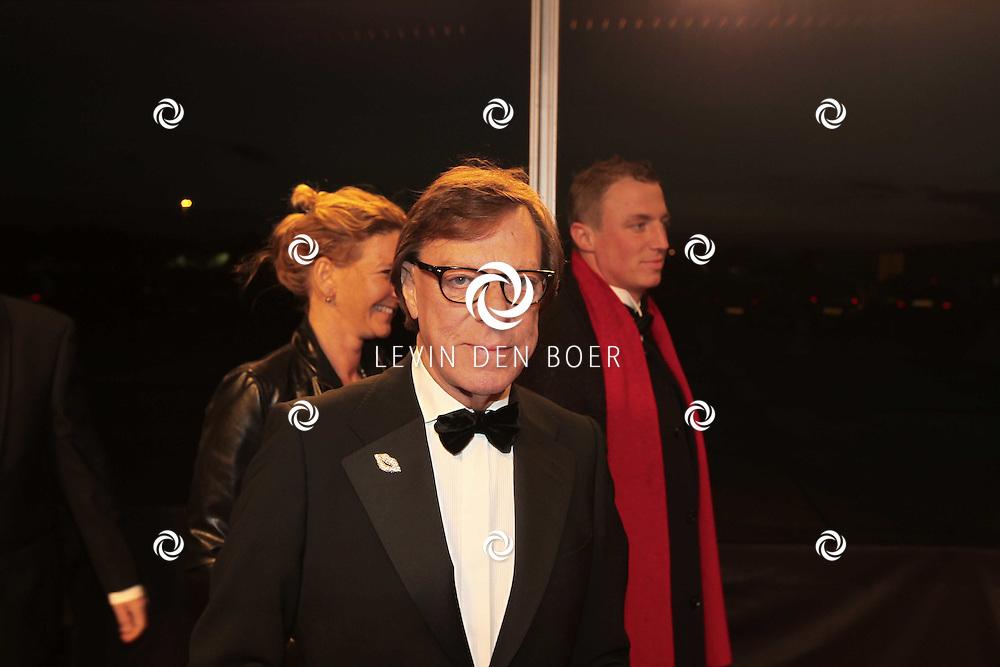 KATWIJK - Frans Molenaar zaterdag op de oranje loper van de galapremiere van Soldaat van Oranje - de Musical in de Theater Hangaar op de oude vliegbasis Valkenburg bij Katwijk. FOTO LEVIN DEN BOER - PERSFOTO.NU