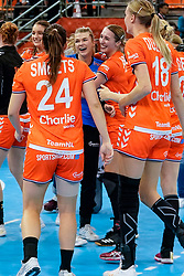 13-12-2019 JAP: Semi Final Netherlands - Russia, Kumamoto<br /> The Netherlands beat Russia in the semifinals 33-22 and qualify for the final on Sunday in Park Dome at 24th IHF Women's Handball World Championship / Team Netherlands celebrate, Tess Wester #33 of Netherlands, Lois Abbingh #8 of Netherlands