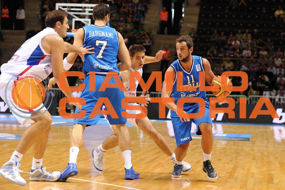 DESCRIZIONE : Siauliai Lithuania Lituania Eurobasket Men 2011 Preliminary Round Serbia Italia Serbia Italy<br /> GIOCATORE : Marco Belinelli<br /> SQUADRA : Italia Italy<br /> EVENTO : Eurobasket Men 2011<br /> GARA : Serbia Italia Serbia Italy<br /> DATA : 31/08/2011 <br /> CATEGORIA : palleggio<br /> SPORT : Pallacanestro <br /> AUTORE : Agenzia Ciamillo-Castoria/GiulioCiamillo<br /> Galleria : Eurobasket Men 2011 <br /> Fotonotizia : Siauliai Lithuania Lituania Eurobasket Men 2011 Preliminary Round Serbia Italia Serbia Italy<br /> Predefinita :