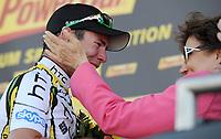 Sykkel<br /> Tour de France 2010<br /> 08.07.2010<br /> Foto: PhotoNews/Digitalsport<br /> NORWAY ONLY<br /> <br /> MARK CAVENDISH - Roselyne BACHELOT<br /> <br /> ETAPE 5 : EPERNAY - MONTARGIS