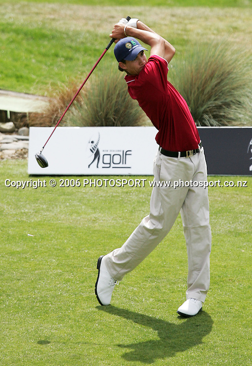 Australia's Matt Jager tees off on the first hole during the Clare Higson Trophy singles match between New Zealand's Gary John Hill and Australia's Matt Jager at Hamilton Golf Club in Hamilton, New Zealand on Wednesday 27 September, 2006. Photo: Tim Hales/PHOTOSPORT