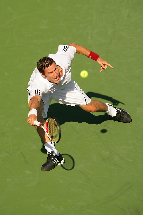 Jul 29, 2009 - Los Angeles, California, USA - MARAT SAFIN returns a ball against opponent Ernest Gulbis at the LA Tennis Open. Safin won the match 2-6, 6-3, 6-4(Credit Any Usage: ©ZUMAPRESS.com/Wally Nell)