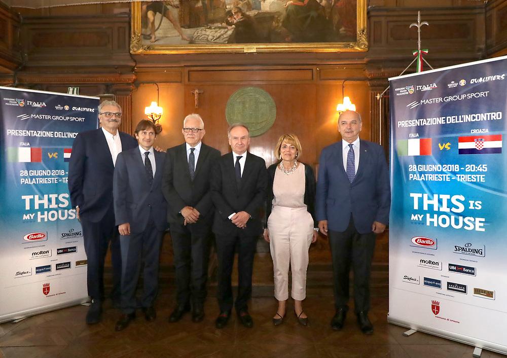 Romeo Meo Sacchetti, Giovanni Petrucci<br /> Conferenza Stampa Presentazione Italia - Croazia FIBA Basketball World Cup 2019 Qualifiers<br /> FIP 2018<br /> Trieste, 07/06/2018<br /> Foto Ciamillo-Castoria