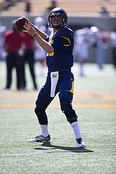 BERKELEY, CA - OCTOBER 03:  Quarterback Jared Goff #16 of the California Golden Bears warms up before the game against the Washington State Cougars at California Memorial Stadium on October 3, 2015 in Berkeley, California. The California Golden Bears defeated the Washington State Cougars 34-28. (Photo by Jason O. Watson/Getty Images) *** Local Caption *** Jared Goff
