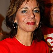 NLD/Hilversum/20100121 - Benefietactie voor het door een aardbeving getroffen Haiti, Agnes kant