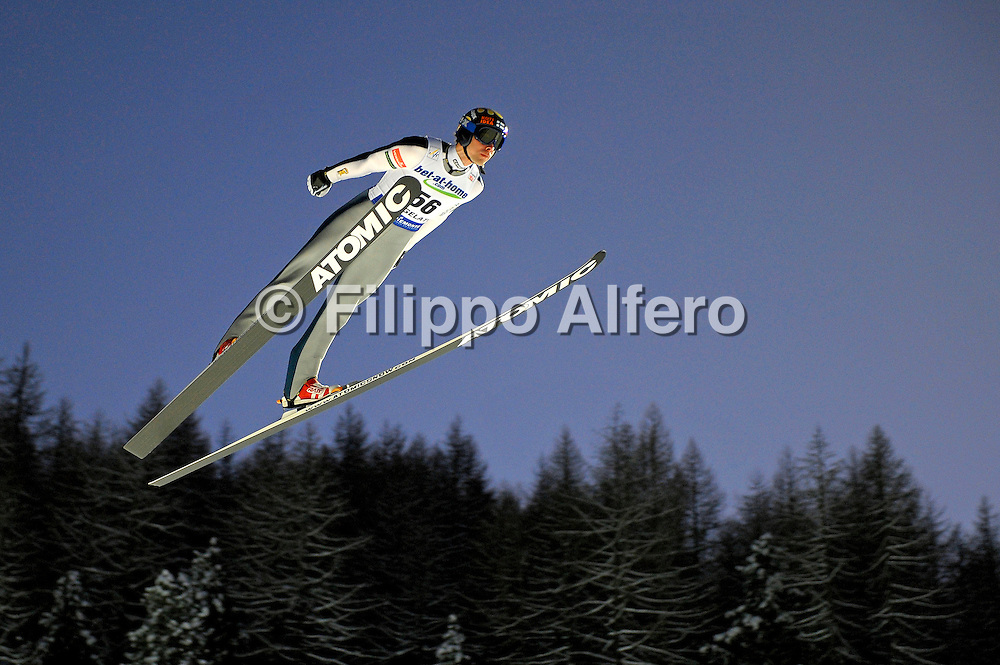 &copy; Filippo Alfero<br /> Pragelato (TO), 12/12/2008<br /> sport , salto con gli sci<br /> Coppa del Mondo di Salto con gli Sci - Pragelato - qualifiche<br /> Nella foto: Matti Hautamaeki - FIN<br /> <br /> &copy; Filippo Alfero<br /> Pragelato, Italy, 12/12/2008<br /> Ski Jumping<br /> FIS World Cup Ski Jumping - Large Hill Individual - 5th competition - qualification<br /> In the photo: Matti Hautamaeki - FIN