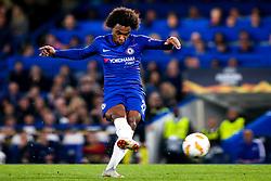 Willian of Chelsea shoots at goal - Mandatory by-line: Robbie Stephenson/JMP - 04/10/2018 - FOOTBALL - Stamford Bridge - London, England - Chelsea v Vidi - UEFA Europa League Group L