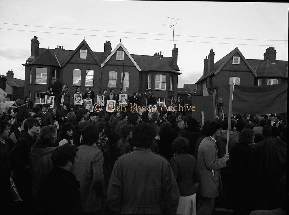 "H-Block Hunger-Strike Protest.   (M54)..1980..06.12.1980..12.06.1980..6th December 1980..In support of the prisioners on hunger strike in Northern Ireland a protest march was organised in Dublin. The march was to highlight the treatment of prisioners who wer on hunger strike and on the ""blanket"" protest. Part of the prisioner demand was that they be treated as political prisioners and not as criminals or terrorists..Image of the platform set up on Merrion Road, Dublin as the protest leaders prepare to speak to the crowd."