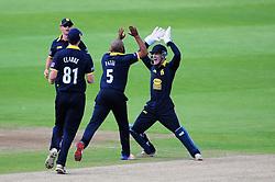 Warwickshire celebrate the wicket of Peter Trego.  - Mandatory by-line: Alex Davidson/JMP - 29/08/2016 - CRICKET - Edgbaston - Birmingham, United Kingdom - Warwickshire v Somerset - Royal London One Day Cup semi final