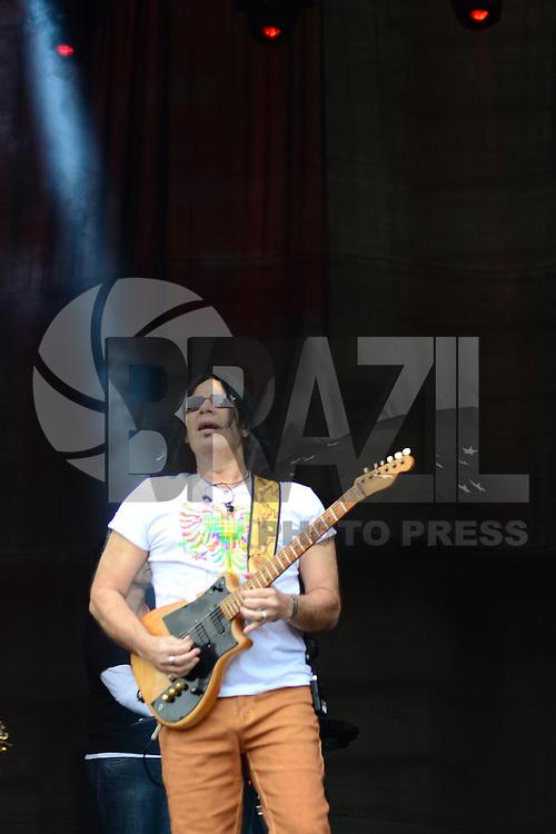 SÃO PAULO. SP 18.05.2014. VIRADA CULTURAL 2014 -  Pepeu Gomes durante a Virada Cultural São Paulo na Julio Prestes neste domingo 18 ( Foto : Bruno Ulivieri / Brazil Photo Press )