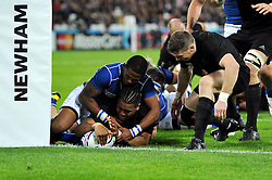 Julian Savea scores a try - Mandatory byline: Patrick Khachfe/JMP - 07966 386802 - 24/09/2015 - RUGBY UNION - The Stadium, Queen Elizabeth Olympic Park - London, England - New Zealand v Namibia - Rugby World Cup 2015 Pool C.