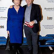 NLD/Amsterdam/20191211 - Hendrik Groen-voorstelling in premiere, Frits Barend en partner Marijke van Haeften