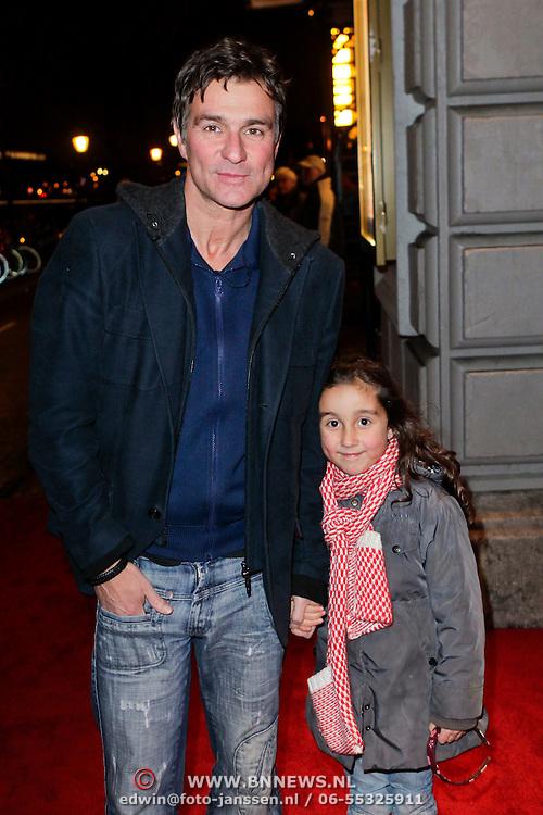 NLD/Amsterdam/20111222 - Wintercircus 2011 Carre, Viggo Waas en dochter Tara
