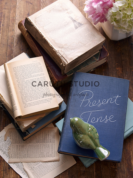 Projects made with old books: Stacks of vintage books