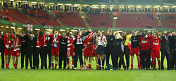 CARDIFF, WALES - Sunday, March 2, 2003: Liverpool players and officials stand together and sing 'You'll Never Walk Alone' after beating Manchester United 2-0 to win the Football League Cup Final at the Millennium Stadium. (Pic by David Rawcliffe/Propaganda)
