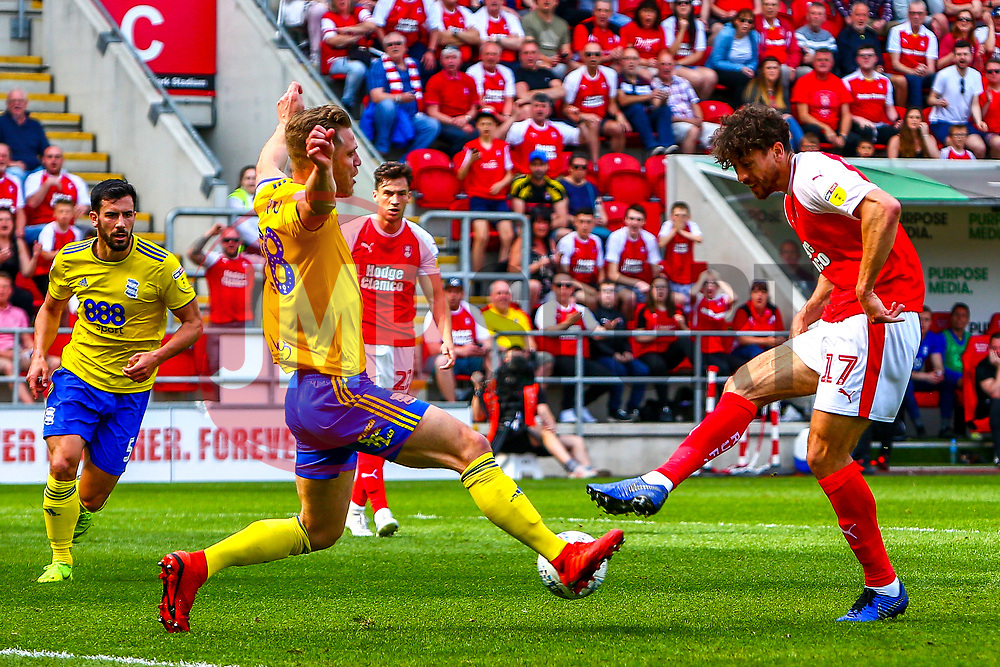 Matt Crooks of Rotherham United shoots at goal to give Rotherham United the lead - Mandatory by-line: Ryan Crockett/JMP - 22/04/2019 - FOOTBALL - Aesseal New York Stadium - Rotherham, England - Rotherham United v Birmingham City - Sky Bet Championship