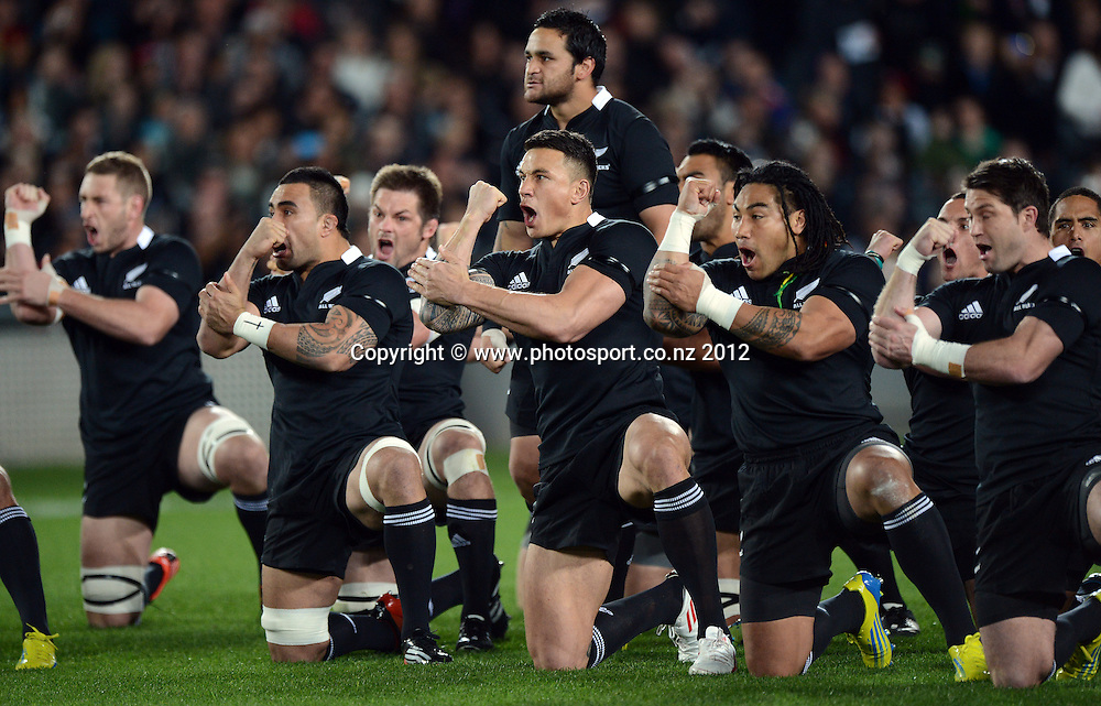 The All Blacks perform the haka at the start of the Rugby Championship and Bledisloe Cup Rugby Union test match, New Zealand All Blacks versus Australian Wallabies at Eden Park, Auckland, New Zealand. Saturday 25 August 2012.  Photo: Andrew Cornaga/Photosport.co.nz