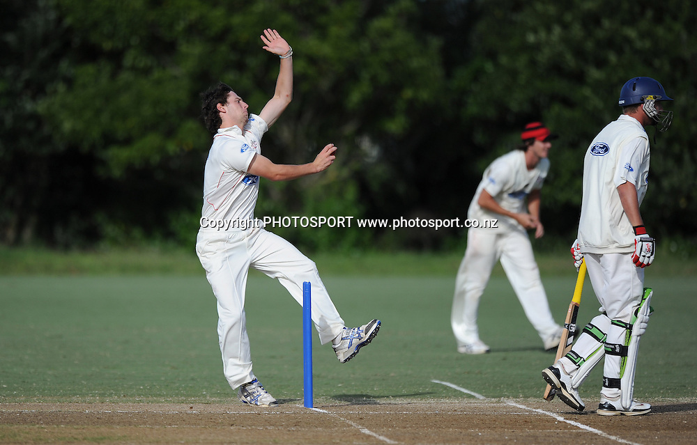 Canterbury's Matthew Henry bowling. Plunket Shield domestic cricket match, Auckland Aces v Canterbury Wizards. Colin Maiden Park, Auckland. Thursday 31 March 2011. Photo: Andrew Cornaga/photosport.co.nz
