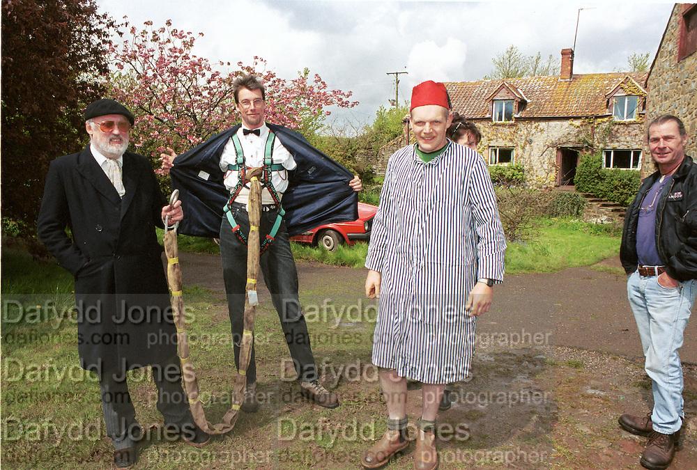 David Kirke at the First human trebuchet. Neverstowey. 24 April 2000<br />&copy; Copyright Photograph by Dafydd Jones 66 Stockwell Park Rd. London SW9 0DA Tel 020 7733 0108 www.dafjones.com
