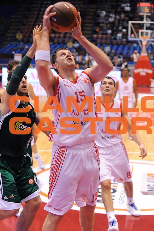 DESCRIZIONE : Milano Eurolega 2010-11 Armani Jeans Milano Panathinaikos Atene<br />GIOCATORE : Marijonas Petravicius<br />SQUADRA : Armani Jeans Milano <br />EVENTO : Eurolega 2010-2011<br />GARA :  Armani Jeans Milano Panathinaikos Atene<br /> DATA : 18/11/2010<br />CATEGORIA : Tiro Penetrazione<br />SPORT : Pallacanestro <br />AUTORE : Agenzia Ciamillo-Castoria/A.Dealberto<br />Galleria : Eurolega 2010-2011<br />Fotonotizia : Milano Eurolega Euroleague 2010-11 Armani Jeans Milano Panathinaikos Atene<br />Predefinita :