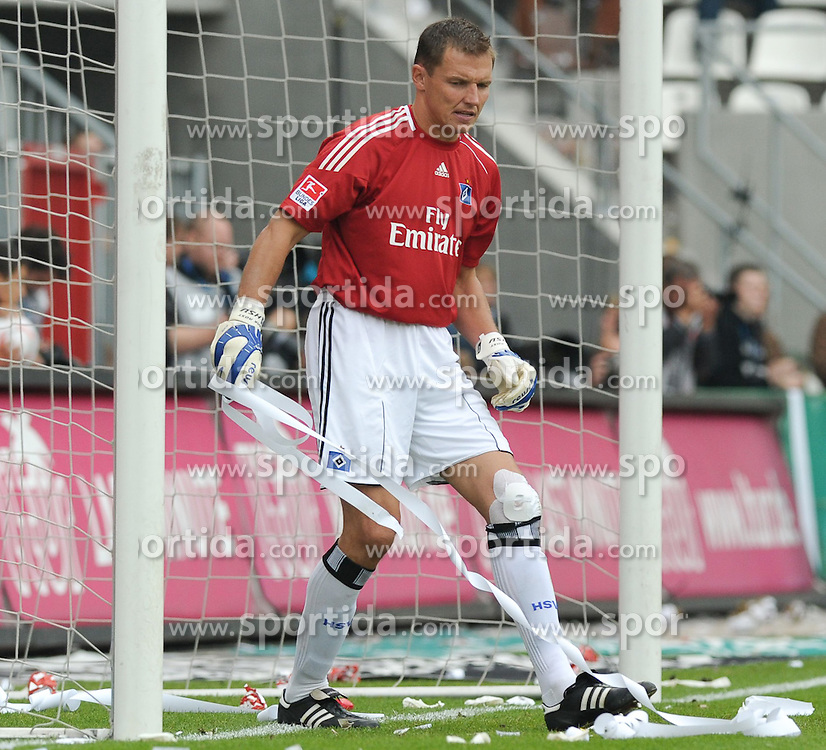19.09.2010, Millerntor-Stadion, Hamburg, GER, 1. FBL, FC St. Pauli vs Hamburger SV, im Bild Frank Rost (Hamburg #1)   EXPA Pictures © 2010, PhotoCredit: EXPA/ nph/  Frisch+++++ ATTENTION - OUT OF GER +++++ / SPORTIDA PHOTO AGENCY