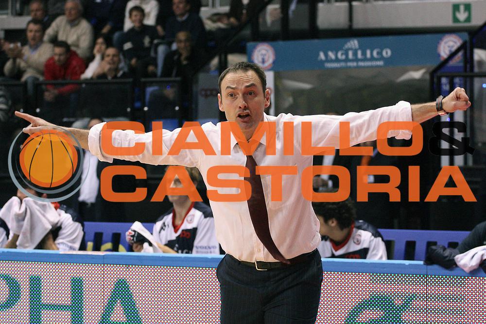 DESCRIZIONE : Biella Lega A 2009-10 Angelico Biella Lottomatica Virtus Roma<br /> GIOCATORE : Luca Bechi<br /> SQUADRA : Angelico Biella<br /> EVENTO : Campionato Lega A 2009-2010 <br /> GARA : Angelico Biella Lottomatica Virtus Roma<br /> DATA : 07/03/2010 <br /> CATEGORIA : Delusione<br /> SPORT : Pallacanestro <br /> AUTORE : Agenzia Ciamillo-Castoria/S.Ceretti<br /> Galleria : Lega Basket A 2009-2010 <br /> Fotonotizia : Biella Campionato Italiano Lega A 2009-2010 Angelico Biella Lottomatica Virtus Roma<br /> Predefinita :