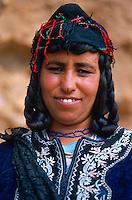 Maroc. Haut Atlas. Vallee du Dades. El Kelaa M'Gouna. Femme Berbere. // Morocco. Atlas range. Dades valley. El Kelaa M Gouna village. Berbere woman.