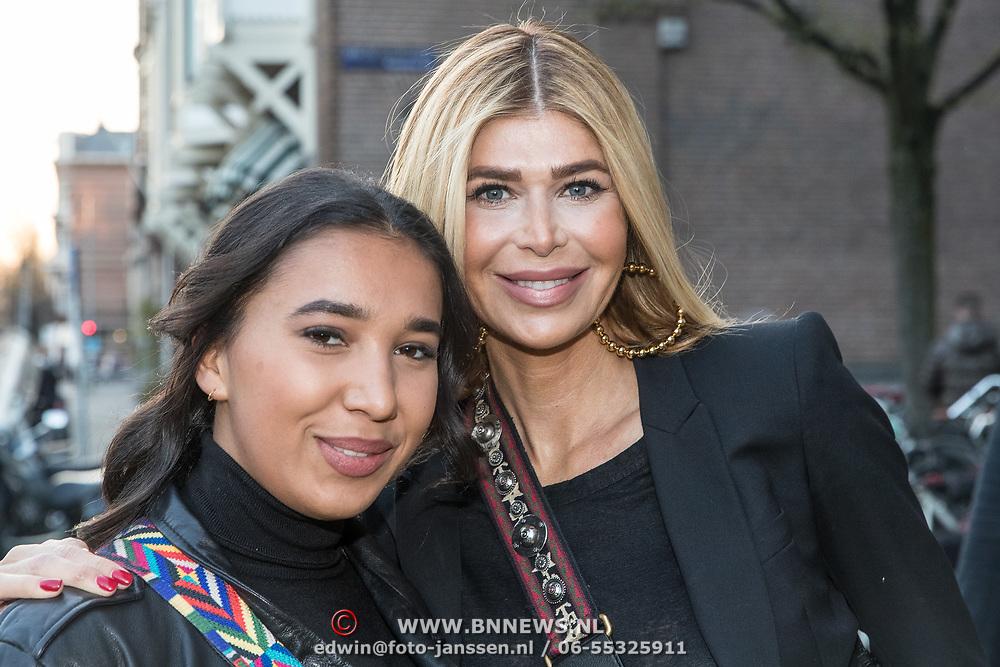 NLD/Amsterdam/20190401 -  Opening Burgerroom Gordon , Estelle Cruijff en dochter Joelle Gullit
