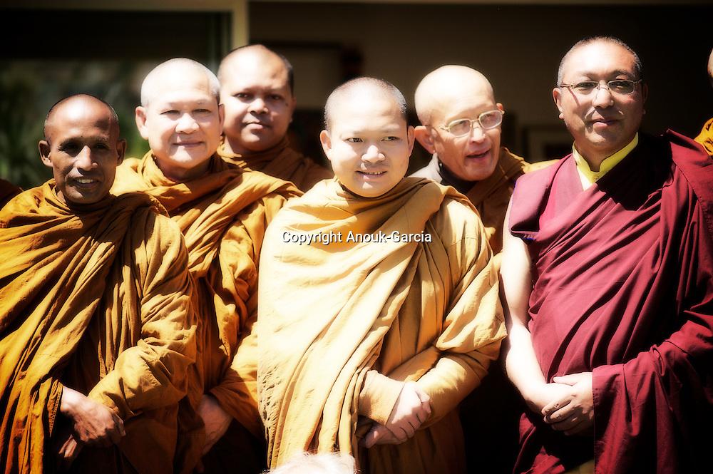 Luang Pu Nenkham chattigo et Vénérable Nyanadharo MahaThéra, promu Phra Khru Bhavanna Voradham Vidhésa  Moines de la Forêt