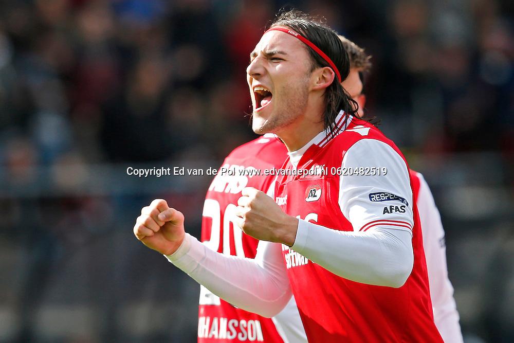 ALKMAAR - 23-03-2014, voetbal, eredivisie, AZ - PEC Zwolle, AFAS Stadion, AZ speler Nemanja Gudelj juicht nadat hij de 2-0 heeft gescoord.