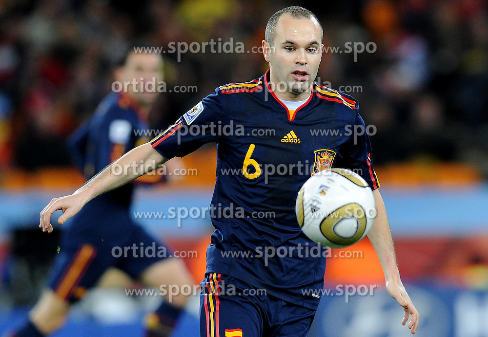 11.07.2010, Soccer-City-Stadion, Johannesburg, RSA, FIFA WM 2010, Finale, Niederlande (NED) vs Spanien (ESP) im Bild Andres Iniesta, Matchwinner des Finales der Fifa WM 2010, EXPA Pictures © 2010, PhotoCredit: EXPA/ InsideFoto/ Perottino *** ATTENTION *** FOR AUSTRIA AND SLOVENIA USE ONLY! / SPORTIDA PHOTO AGENCY