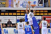 DESCRIZIONE : Biella LNP DNA Adecco Gold 2013-14 Angelico Biella Centrale Latte Brescia<br /> GIOCATORE : Damian Hollis<br /> CATEGORIA : Stoppata Controcampo<br /> SQUADRA : Angelico Biella<br /> EVENTO : Campionato LNP DNA Adecco Gold 2013-14<br /> GARA : Angelico Biella Centrale Latte Brescia<br /> DATA : 17/02/2014<br /> SPORT : Pallacanestro<br /> AUTORE : Agenzia Ciamillo-Castoria/S.Ceretti<br /> Galleria : LNP DNA Adecco Gold 2013-2014<br /> Fotonotizia : Biella LNP DNA Adecco Gold 2013-14 Angelico Biella Centrale Latte Brescia<br /> Predefinita :