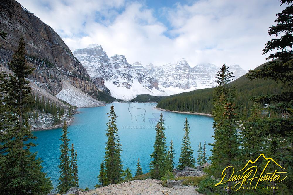 Moraine Lake , Banff National Park
