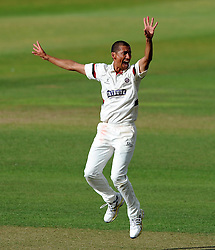 Somerset's Alfonso Thomas unsuccessfully appeals for the LBW of Sussex's Steve Magoffin. - Photo mandatory by-line: Harry Trump/JMP - Mobile: 07966 386802 - 05/07/15 - SPORT - CRICKET - LVCC - County Championship Division One - Somerset v Sussex- The County Ground, Taunton, England.