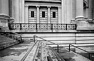 Stairs and facade of the Metropolitan Museum of Art