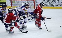 Ishockey , Get - ligaen ,<br /> Semifinale 2 <br /> 18.03.2011 <br /> Kristins Hall<br /> Lillehammer I.K  v  Sparta Sarpsborg<br /> Foto:Dagfinn Limoseth  -  Digitalsport<br /> Christopher Henriksen , Sparta og Justin Bostrom , Lillehammer