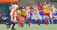 AERDENHOUT - 09-04-2012 - Daniel Aarts aan de bal , maandag tijdens de finale tussen Nederland Jongens B en Spanje Jongens B  (3-1) , tijdens het Volvo 4-Nations Tournament op de velden van Rood-Wit in Aerdenhout. Jongens U16 wordt kampioen.FOTO KOEN SUYK